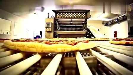 实拍: 机器制作披萨的全过程, 感觉卖相比人工更好些