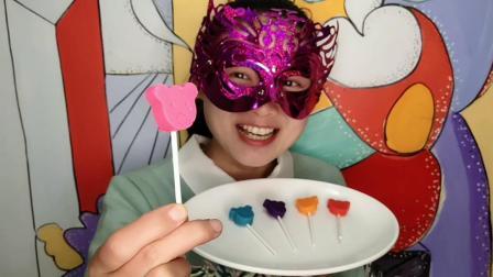 """妹子试吃""""小熊棒棒糖巧克力"""", 萌萌的, 咬上一口丝滑甜蜜果味足"""