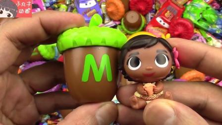 惊喜巧克力盒出现奶牛小猪佩奇 呆萌可爱小猴子和女孩