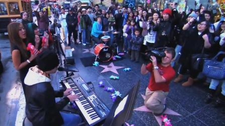周杰伦在外国街头唱歌, 给老外都唱嗨了! 这影响力太大了!