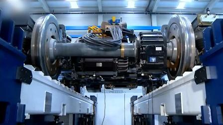 原来火车车轮是这样制造的, 还都是全钢的, 涨知识!