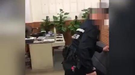 """深圳警方通报""""膝盖锁喉""""醉酒女事件: 遭推打警告无效后徒手约束"""