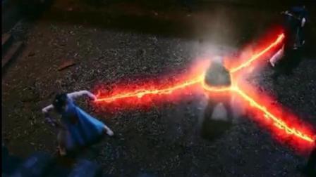 小道士告诫大妈, 千万不能撕下棺材符咒, 大妈不听, 这下完蛋了!