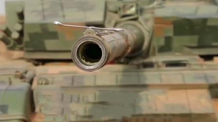 """""""炮管托酒杯""""弱爆了 中国坦克炮口托扳手都不掉"""