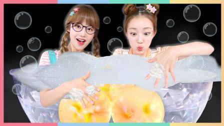 绝对不可以吃的果冻! DIY透明小雏菊果冻肥皂 | 凯利和玩具朋友们 CarrieAndToys