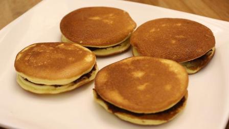 """这个""""铜锣烧""""两种做法, 即能烤又能烙, 夹豆沙馅, 比蛋糕都好吃"""
