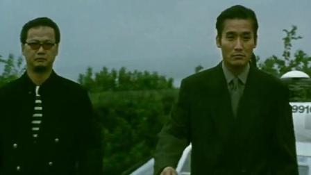 黑金: 梁家辉真不愧是影帝, 走路的气势, 真不是