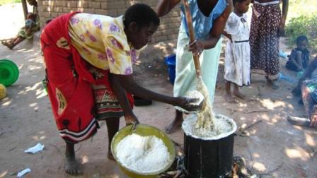 非洲人平时吃的西玛是什么? 为什么大米在他们眼中只能是零食?