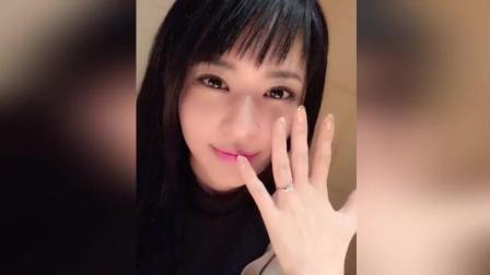 苍井空与老公首度合体亮相 宣布怀孕五月笑容幸福