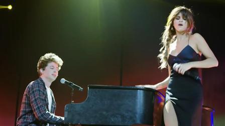 断眉最好听的4个现场, 他跟赛琳娜把分手歌曲, 唱出了恋人的感觉!