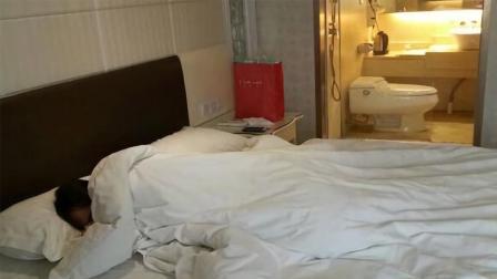 为什么有很多人住酒店, 睡觉时都不关厕所灯?
