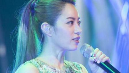 徐怀钰的经典歌曲《纷飞》, 歌词每一句都那么煽动人心