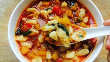 冬季吃一碗热腾腾的烩麻食, 手指一搓, 就是一碗特色面食做法简单