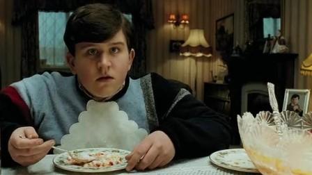 《哈利·波特与阿兹卡班的囚徒》玛姬姨妈恶言相向,被施魔法变气球