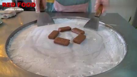 泰国炒酸奶冰激凌真实惠, 用了11块巧克力饼干, 一份能当饭吃了