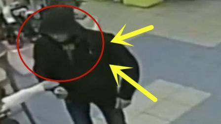 女警察便装出门逛街, 谁知遇到抢劫之人, 两秒后轻松将其制服