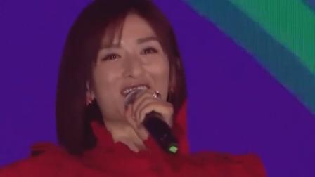 太阳天后谢娜秀唱功,《娜就是快乐》欢快明朗嗨翻全场 淘宝12.12人民的宝贝总决选 20181212