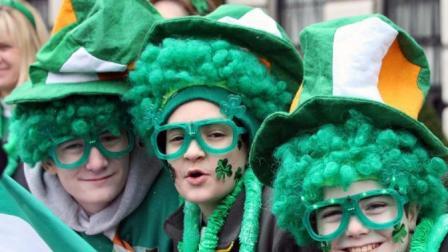 """这个国家的男人偏爱""""绿帽子"""", 还喜欢把头发也染绿色, 为什么呢"""