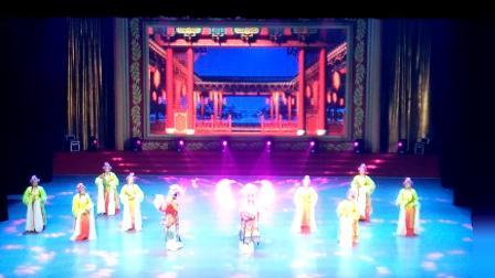 荆州市群众艺术馆2018年公益性免费培训成果展示----戏曲联唱贵妃醉酒(戏曲班表演)