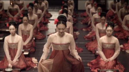 3分钟看完韩国伦理电影《奸臣》, 满屏的荷尔蒙让你大饱眼福