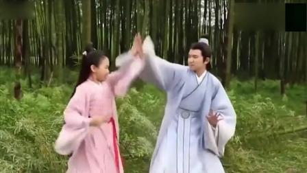 小妹妹看到王源太害羞了, 对手戏需要导演喊停几次