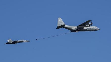 美军战机和加油机相撞损失3.5亿元1人获救