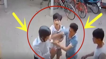 小伙在停车场突然被群殴, 事后回看监控真是罪有应得