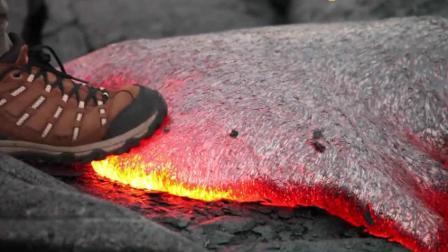 如果伸脚去踩岩浆会有什么样的后果呢? 还真有人这样做了