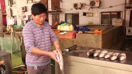 大叔发明杀鱼机, 活鱼开膛刮鳞只要30秒, 卖鱼老板每月节省7000块