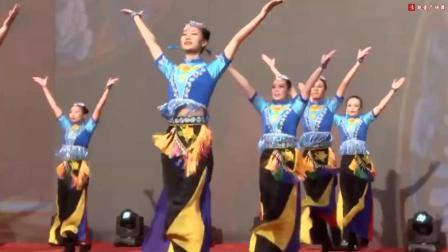 广场舞比赛冠军舞蹈《爱我中华》从服装到舞蹈都太美啦