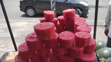 印度小哥: 咱卖的西瓜, 除了卫生啥都能保证!
