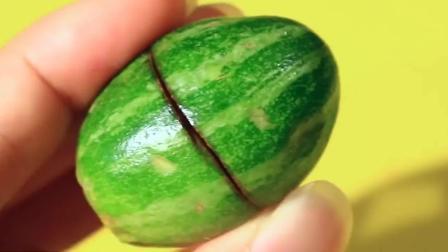风味人间: 切开世界上最小的西瓜, 你猜它会熟透吗?