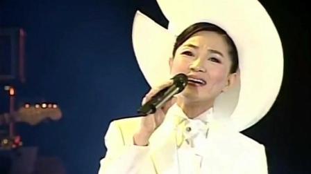 凤飞飞《温暖的秋天》演唱会现场版, 好听的一直在循环播放!