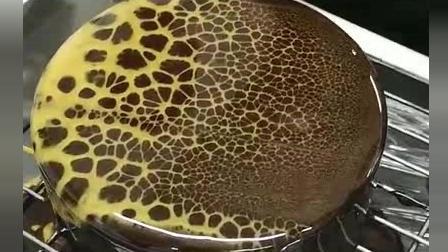 风味人间: 一刀就成了豹纹蛋糕