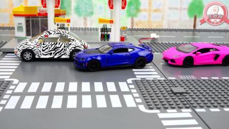 张猫猫与汽车玩具王国 玩具汽车蓝色暴风与粉丝流星竞赛超酷炫技
