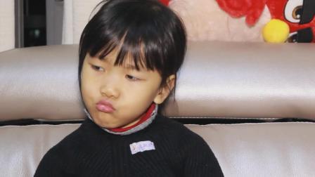 爆笑萌娃: 女儿的作文不会写, 生起气来的表情也太萌了