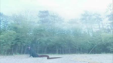蛇、狐大战, 冰冰看热闹呢, 蒋欣那时候看着不胖啊!