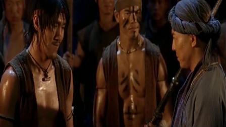 李连杰被激怒, 用中国功夫教训泰拳高手, 让他心