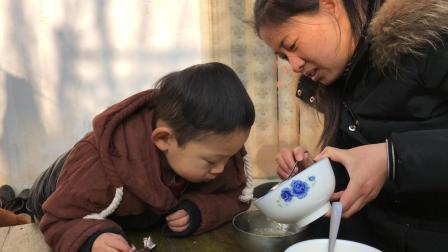 3岁宝宝感冒咳嗽, 农村媳妇自制冰糖梨茶, 你咳嗽时喝过吗