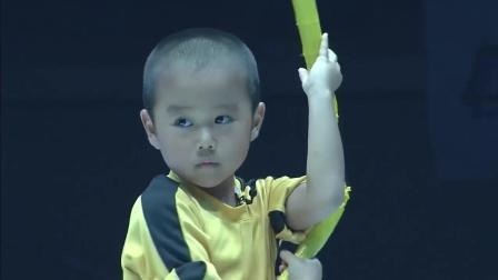 日本6岁李小龙模仿者今井隆星双节棍表演, 太萌啦!