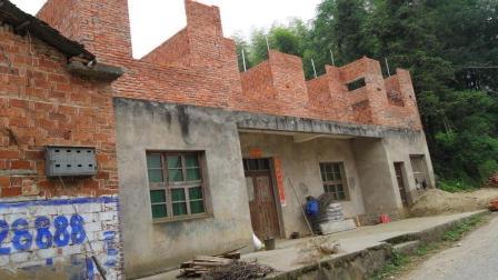 为什么很多人不住农村, 却要在农村盖房子? 钱多