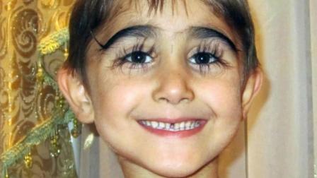 """俄罗斯男孩睫毛长度逆天, 长达4.3厘米, 真正的"""""""