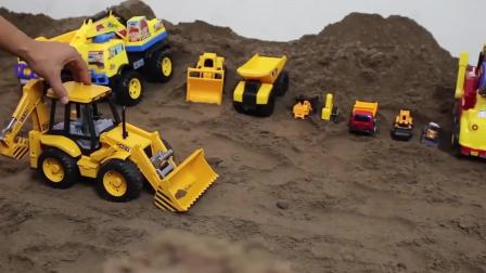 团结合作的工程队们打通隧道工程车亲子益智玩具视频分享
