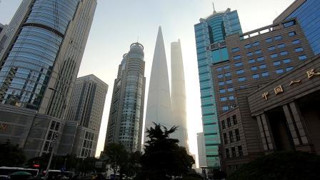 中国第一大金融中心, 上海陆家嘴高楼林立, 周边都是证券公司