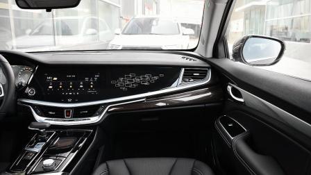 2018年最值得推荐的中型车! 13万给你30万的豪华, 油耗仅8.2L!
