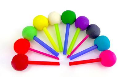 通过Play Doh棒棒糖和数字学习颜色为孩子们的水果蔬菜饼干模具| 孩子的英语