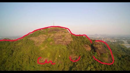 广西这座山顶很像爬着一只大龟