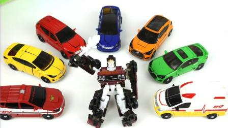 大大巴士汽车带来许多迷你汽车机器人玩具