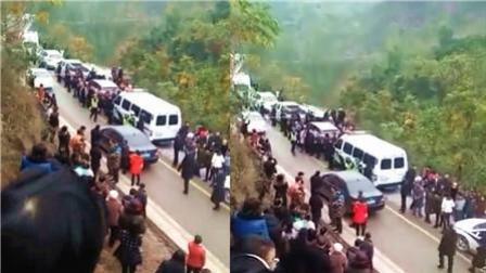 8斗传媒 大货车肇事撞4名孩子! 重庆发生严重车祸