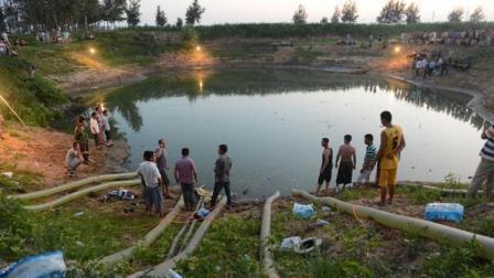 村民无意间在水潭中钓到37斤大鱼, 17天将水抽干, 却发现世界奇迹